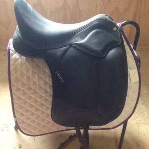 "17"" Wintec Pro Dressage Saddle"
