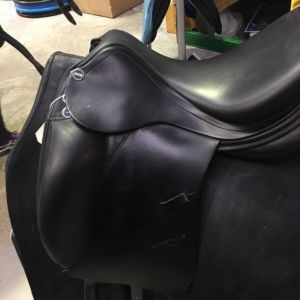 Erreplus short flap dressage saddle