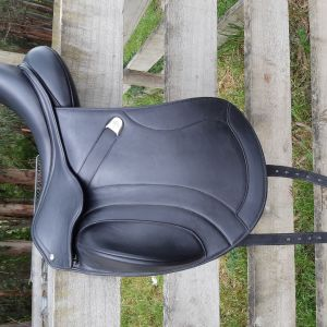 Bates Inova Mono Dressage Saddle with Luxe Leather