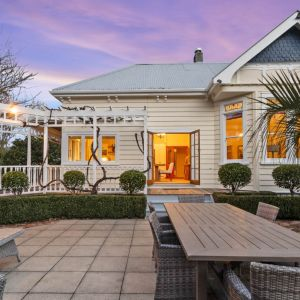 SECLUDED EQUESTRIAN PROPERTY - BY WOODHILL SANDS